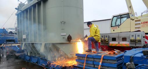70 Tonnen Trafo zerlegt - Energieriesen an den Kragen