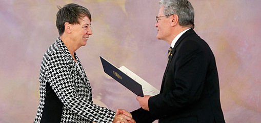 Ministerwechsel - Portrait: Die neue Bundesumweltministerin Barbara Hendricks