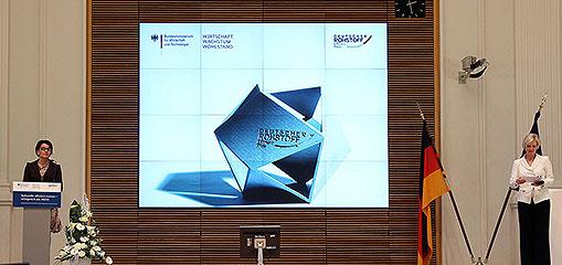 recycled-resource beim Deutschen Rohstoffeffizienz-Preis 2013 unter den Besten - Kunststoffrecycling von Interseroh überzeugt Jury